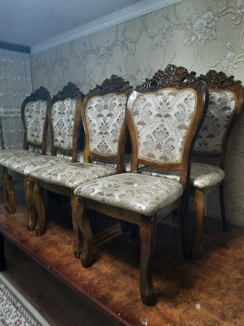 Стол и стулья. Хабарландыру