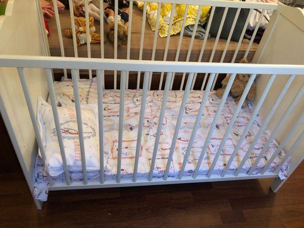 Продаётся Детская кроватка.