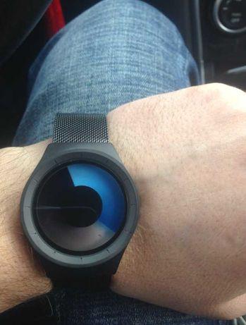 Новинка Необычные часы Geekthink M01