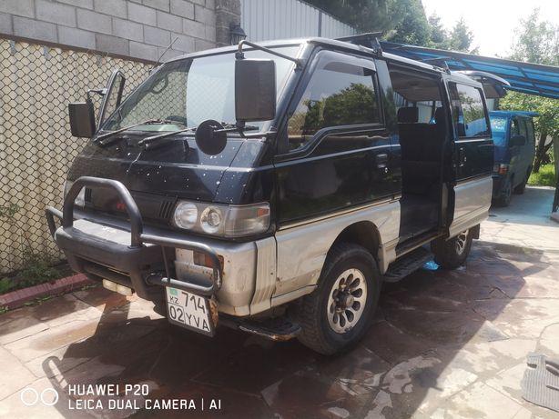 Продам Mitsubishi Delica