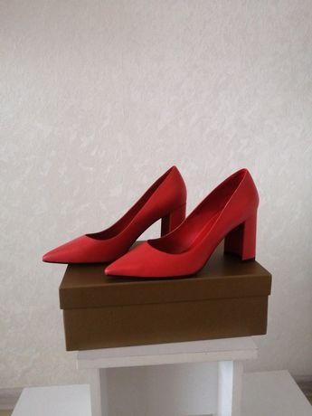 Новые женские туфли р 37