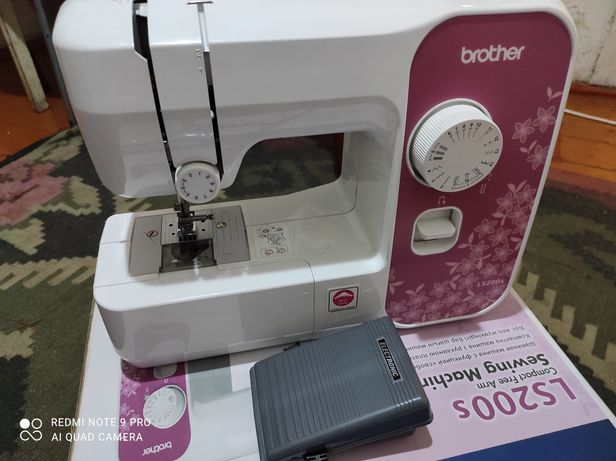 Срочно продам швейную машинку