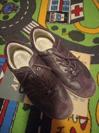 Papuci Ecco mărimea 32!
