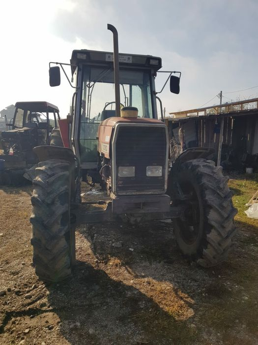 Dezmembrez Tractor MASSEY FERGUSON 3080 Bucuresti - imagine 1
