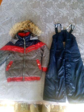 Продам зимний комплект: куртка, полукомбинезон.