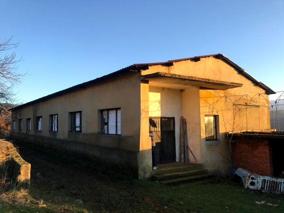 производствено хале 300 кв.м. СЕЛО ОРЛИЦА