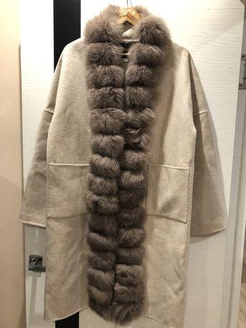 Пальто с мехом на весну/осень.