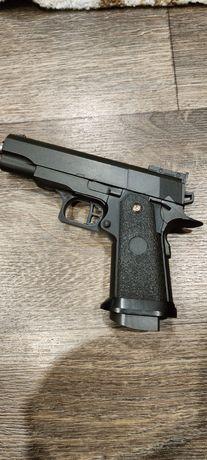 Продам пистолет  металлический в отличном состоянии