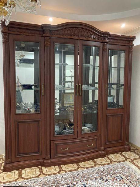Мебель для гостинной (Сервант)