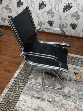 Хромированные стуля по 5500 тенге