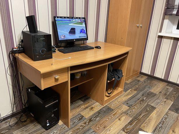 Продам детскую шкафы компьютерный стол кровать