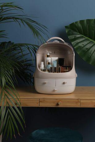 Organizator / cutie/ caseta / geanta  produse cosmetice