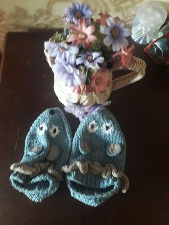 Продам корзинку с цветочками и визальные носочки