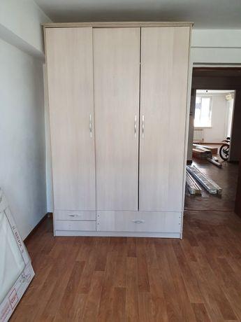 Шкаф для одежды и вещей