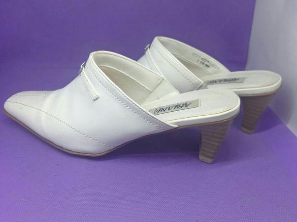Бели обувки, тип чехли с ток, изкуствена кожа