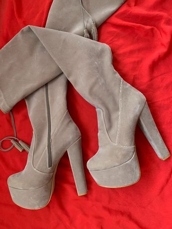 Страхотни чизми от велур