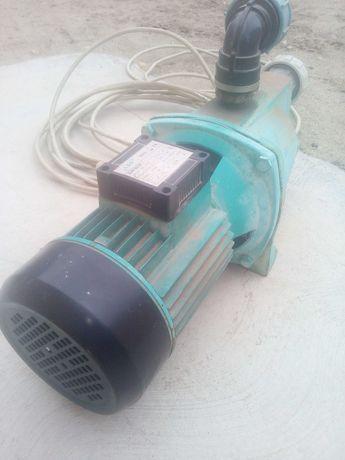Mator LEO cuplat cu pompa pentru irigat