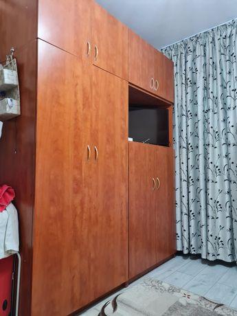 Dulap dormitor din lemn de cireș