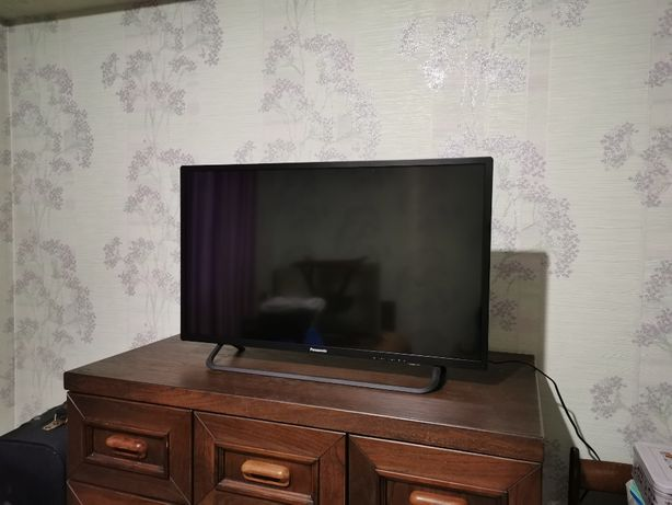 Телевизор Panasonic TX-32DR300ZZ диагональ 80см.