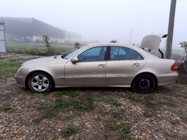 Dezmembram Mercedes-Benz E-Class E320 W211 150 KW 3200 CDI An 2004