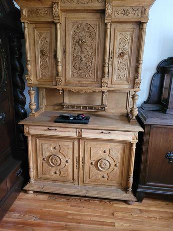 Mobilă veche,de peste 100 ani