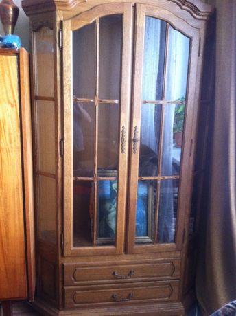 Шкаф витрина из натурального дерева