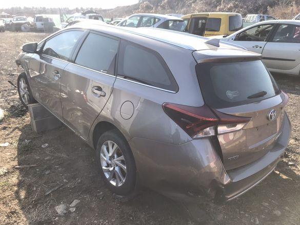 НА ЧАСТИ! Toyota Auris Hybrid Touring комби 1.8 VVTi 99 кс. АВТОМАТИК