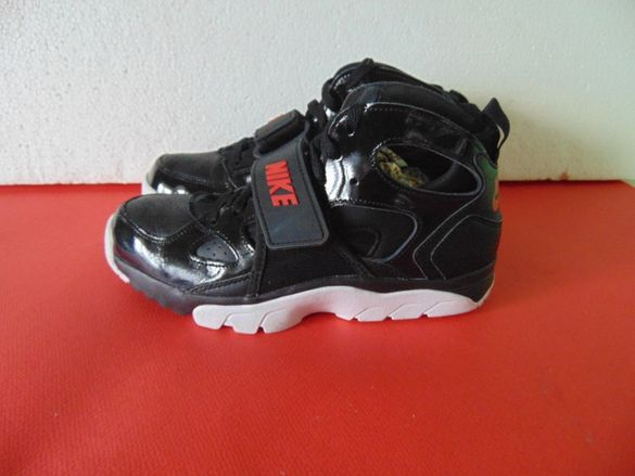 НОВИ Nike Huarache номер 38.5 Оригинални дамски маратонки