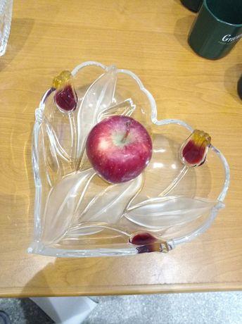 Блюдо  тарелка для фруктов сердечко с этикеткой новое стекло