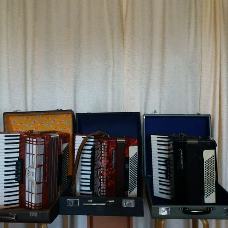 Три аккордеона за 300 тысяч