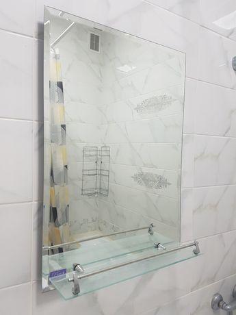 Зеркало в ванную 50×70см с полочкой