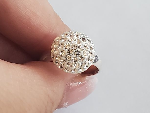 A 479, inel argint 925,nou si marcat,zirconii albe,superb
