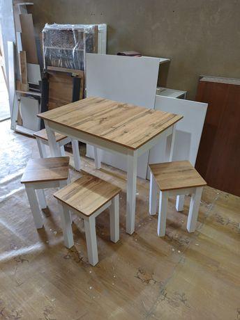Стол с 4 табуреткой