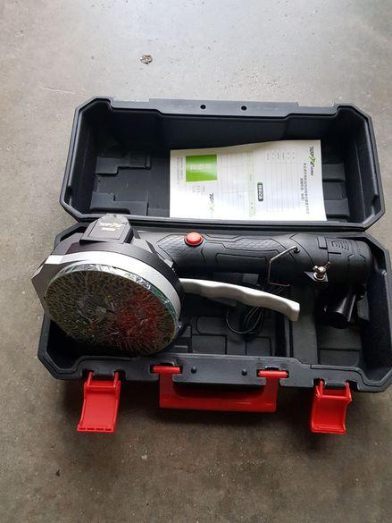 Акумулаторна вендуза за плочки Вакум машина  вибратор  12 волта