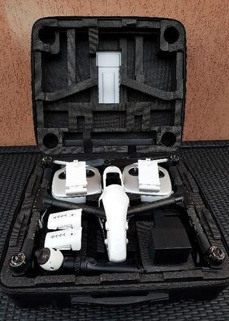 Drona 4K Inspire 1 cu doua telecomenzi,acumulator 5700mA si card 64gb