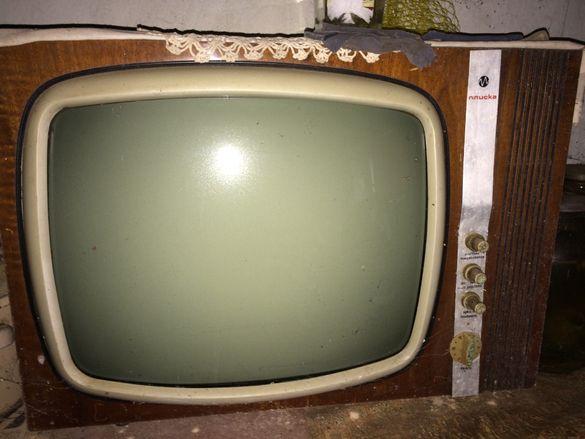 Ретро телевизор ПЛИСКА от 70 години на 19 век и книжка с упътване