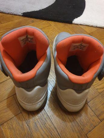 Adidași Nike mărimea 42