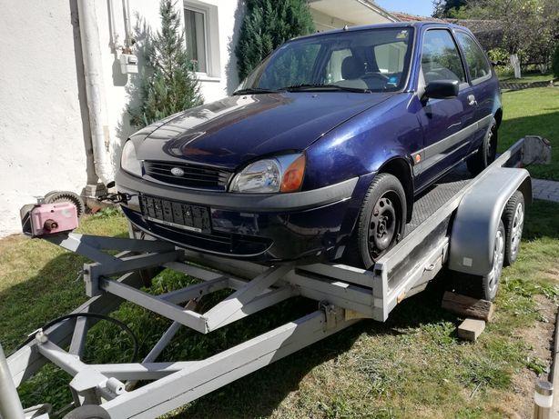 Dezmembrez ford fiesta 1.3 din 2000,far,capota,ușa,motor,fuzeta,scaun