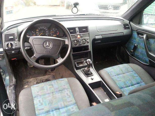Dezmembrez Mercedes W202 C220D