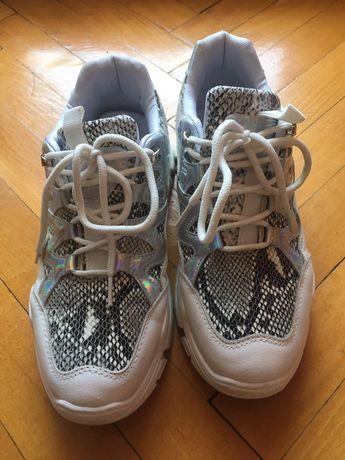 Супер  змийски маратонки и лачени  обувки