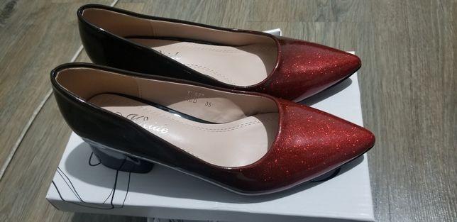 Pantofi foarte frumosi nr.35.