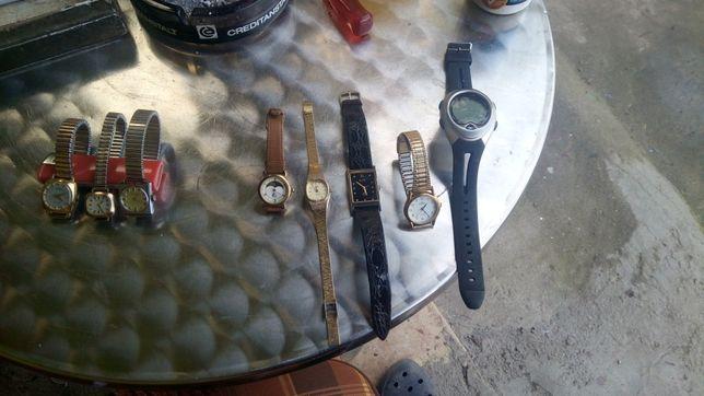 Ceasuri de mana , mecanice și cu baterie model vechi