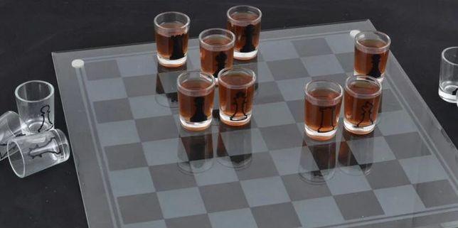 Зеркальная шахматная доска