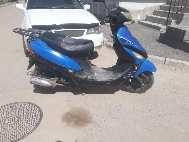 Продам скутер. Отличном состоянии вложении не требует.