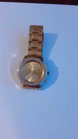 ceas de mana auriu