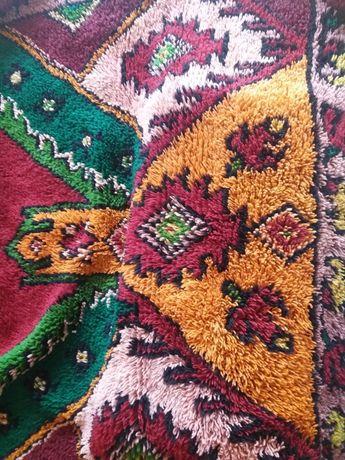 губер /губери, китеник / китеници от естествена вълна , килим