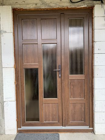 Tamplarie PVC, geamuri, uși, balcoane termopane la comanda