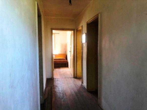 Етаж от къща - кв. Бичкиня