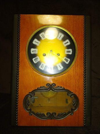 Старинен руски стенен часовник