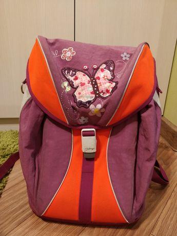 Школьный рюкзак. Фирменный для девочки.